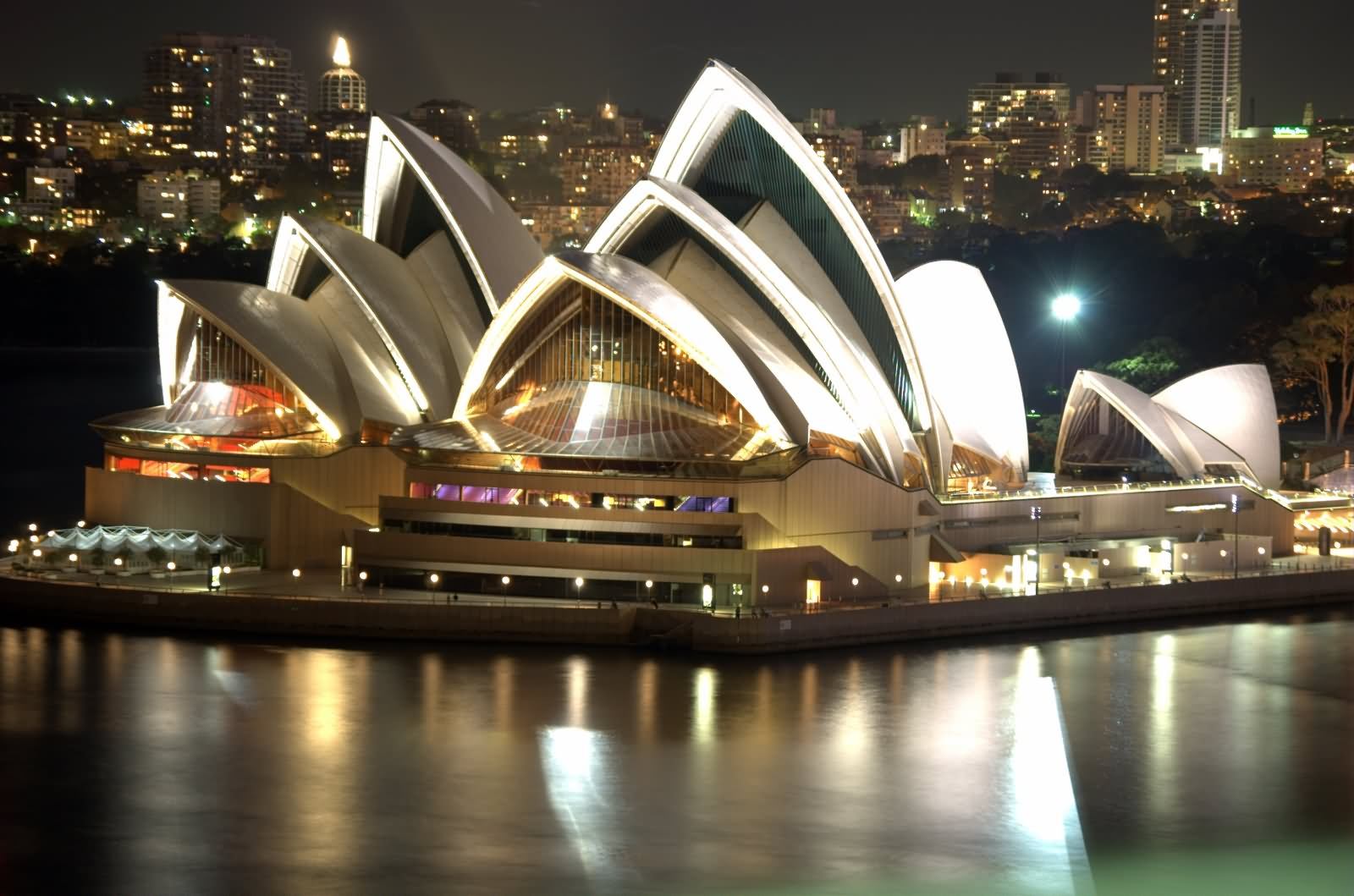 Adorable-Night-View-Of-Sydney-Opera-House2.jpg